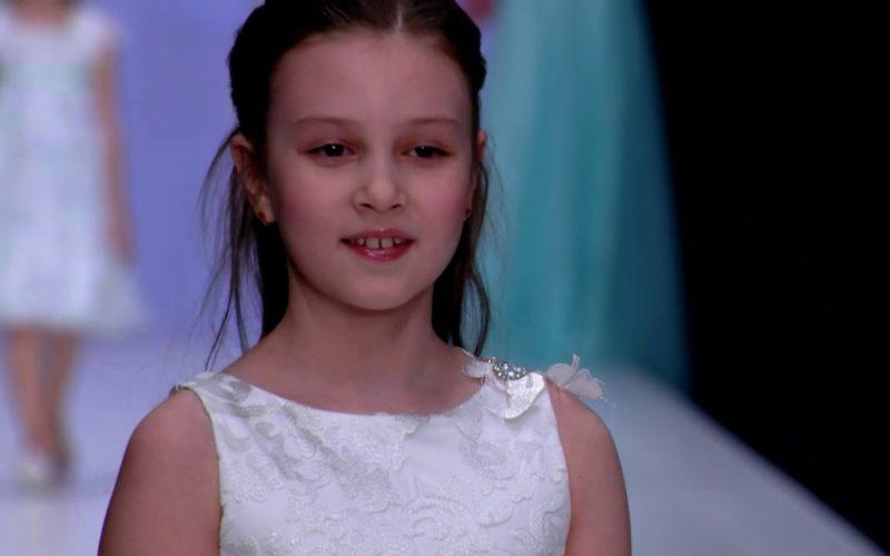 Певица Monisha для бренда CHOUPETTE&TO BE BRIDE на неделе высокой моды Мерседес-Бенц в Москве
