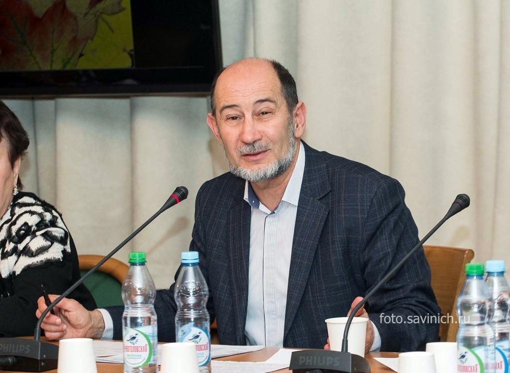 Александр Бузгалин: в условиях нынешнего кризиса нужно ввести 90-процентный подоходный налог для миллионеров