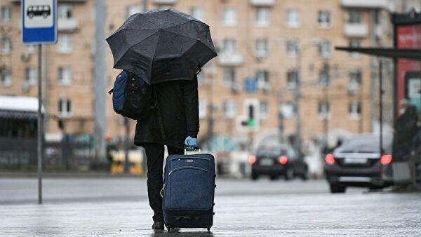 Москвичам пообещали аномальные осадки в виде дождя и снега