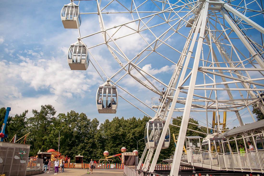 В парке «Сокольники» открылось колесо обозрения высотой с 12-этажный дом