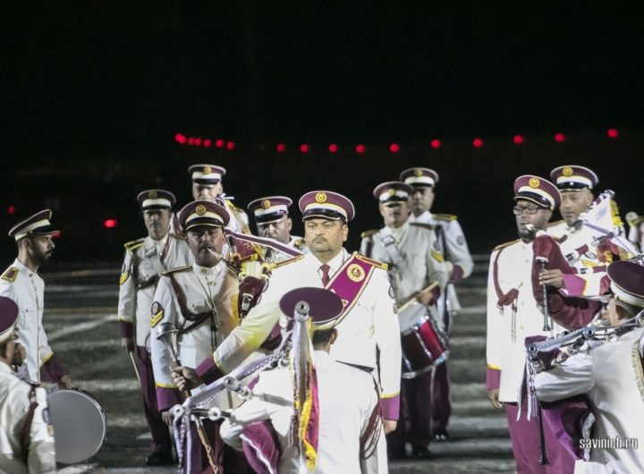"""Военный оркестр и Парадный расчёт Вооружённых сил Катара на открытии фестиваля """"Спасская Башня"""" 2021"""